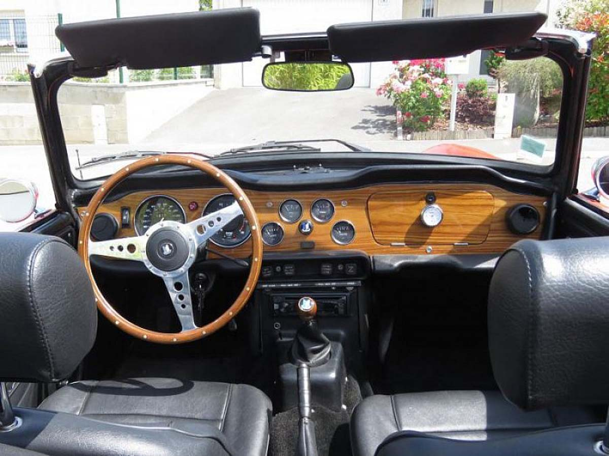 triumph tr6 classic racing annonces. Black Bedroom Furniture Sets. Home Design Ideas