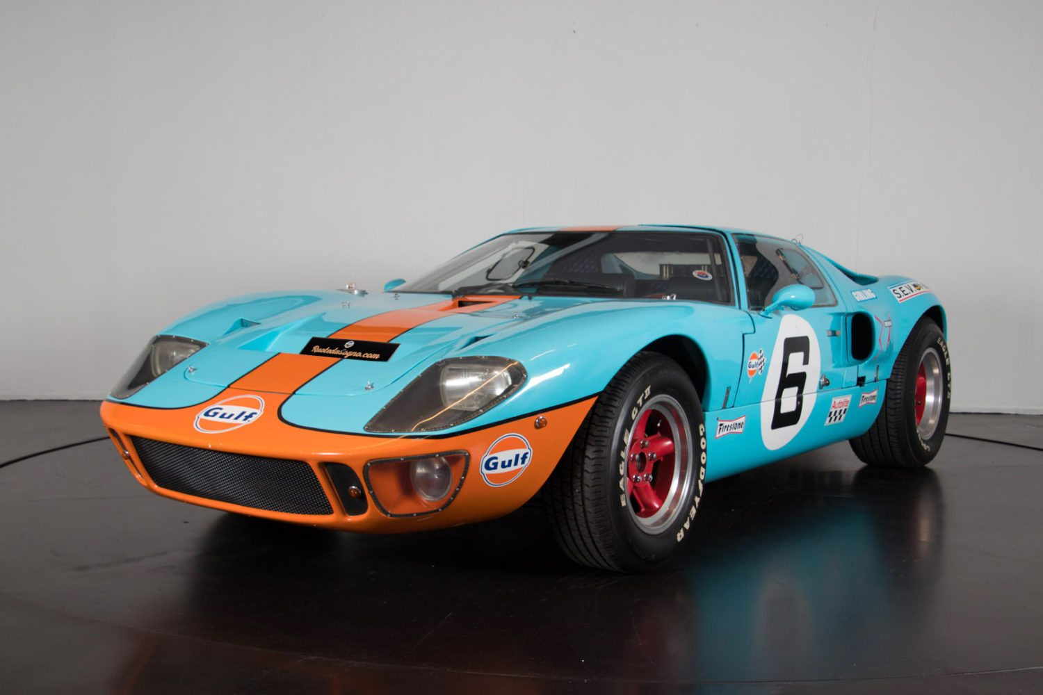 ford gt40 recreation classic racing annonces. Black Bedroom Furniture Sets. Home Design Ideas