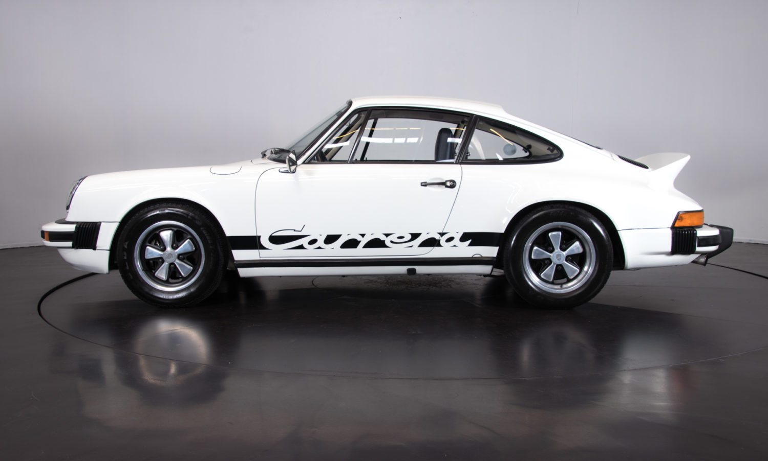 porsche 911 carrera 2 7 classic racing annonces. Black Bedroom Furniture Sets. Home Design Ideas