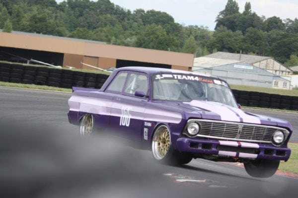 FORD FALCON 1964 SALOON CAR