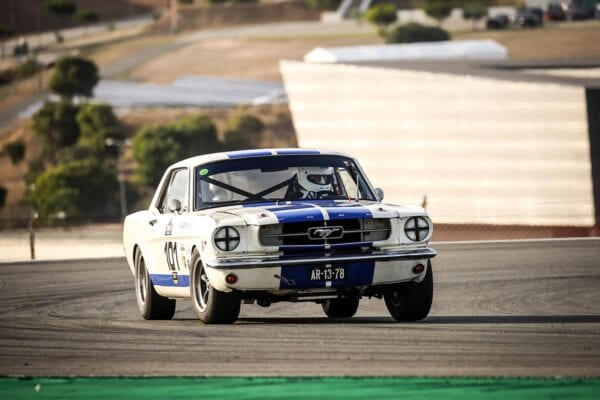 FORD MUSTANG FIA