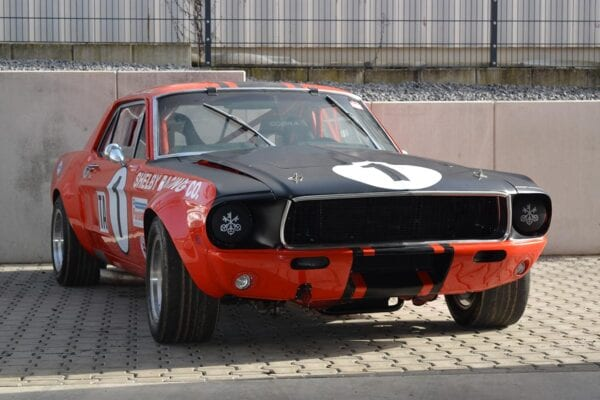FORD MUSTANG 302 GROUPE 2